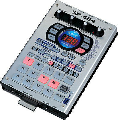 Roland Sp 404 Sampler With Roland Flash Card