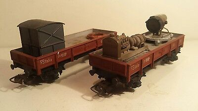 Rare pocher lot de 2 wagons plat dont projecteur carro farro en HO