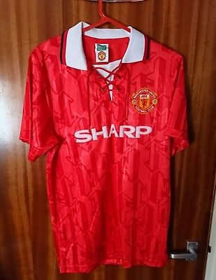Official Retro Manchester United Home Football Shirt 1993-1995, size M.
