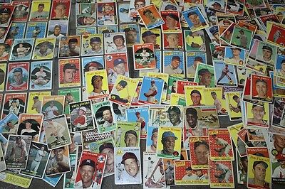 Large Lot of Topps 1950s and 1960s Baseball Cards,Clemente,Aaron,Mays