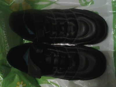 Boys Clarks Black Shoes/Trainers Size 5.5