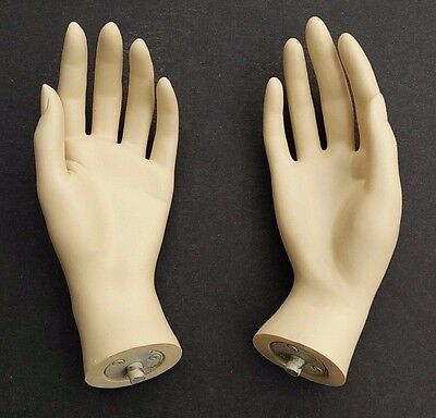 MN-HandsF-QS PAIR OF FLESHTONE LEFT & RIGHT Female Mannequin Hands (FLESHTONE)