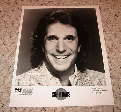 """""""Sightings: Heartland Ghost"""" 2002 Henry Winkler (executive producer) bw 8x10"""