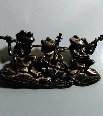 """VTG Gold Tone Frog Band On Lily Pad Pin Brooch Flute Bass Violin 2.5"""" C Clasp"""