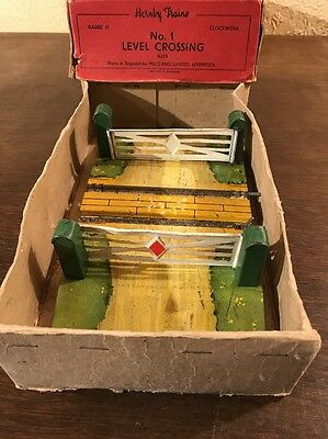 Boxed hornby - level crossing No 1 - O gauge