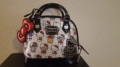 BNWT Loungefly loves Hello Kitty Dome Purse Snack Print