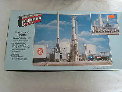 Walthers Cornerstone N Scale Building/Structure Kit North Island Oil Refinery