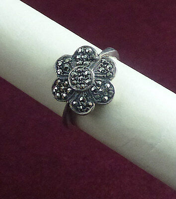 Vintage sterling silver marcasite flower head ring