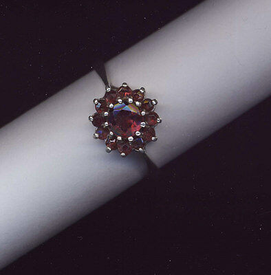 Vintage Sterling silver & garnet set ring hallmarked 1977