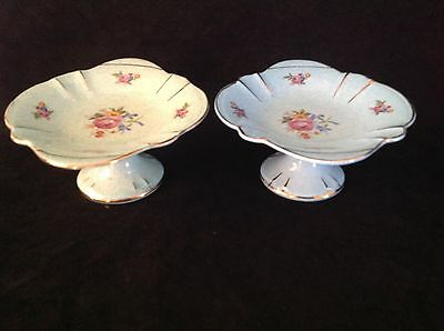 2 x  H. AYNSLEY & CO ENGLAND FOOTED SERVING DISHES - BLUE & GREEN