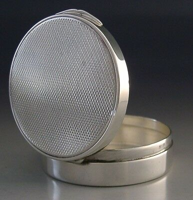 SUPERB QUALITY STERLING SILVER ENGINE TURNED SNUFF / PILL BOX c1980