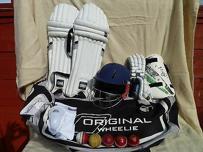 GM Youth / Small Adult Cricket Bundle