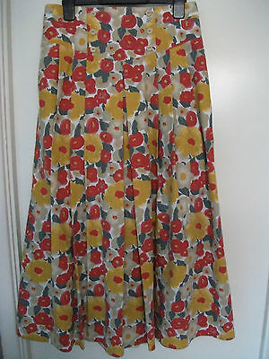 """Summer skirt by Yessica (C&A). Size 14 (waist 29""""). Floral pattern. VINTAGE!"""