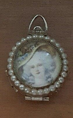 Vintage Signed CORO PEGASUS Fold Out Family 4-Way Locket Pendant Victorian Pearl