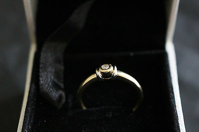 Diamond Engagement Ring 9ct Gold - Size 'N'