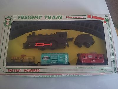 RARE BATTERY POWERED FREIGHT TRAIN SET : HAJI  MADE IN JAPAN 1960's (?) TINPLATE