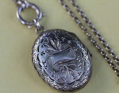 Antique Sterling Silver Oval Locket 12 g Silver Chain