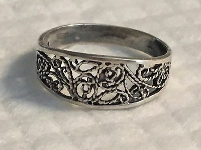 beautiful silver ring with really cool design pattern