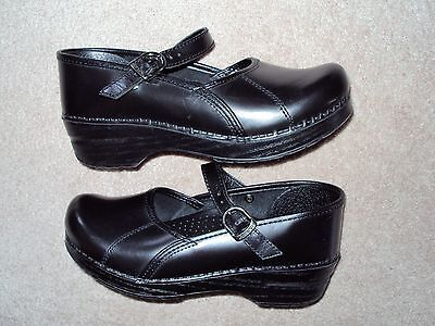 Women's Dansko Buckle Up Clogs Size 38 In Used Condition