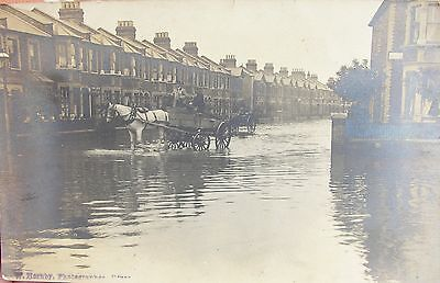 Flooding In Empress Avenue Ilford Essex Early Rp Pc