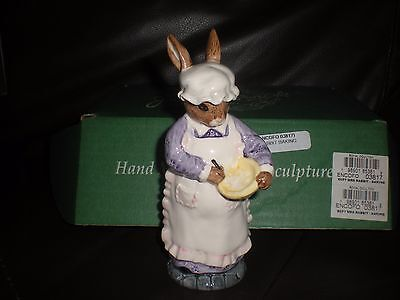 BESWICK ENGLISH COUNTRY FOLK MRS RABBIT BAKING -  ECF7 - boxed