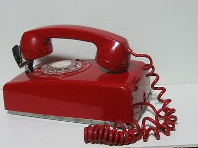Vintage Bell Northern Telecom Usa Wall Mount Rotary Dial Telephone Cherry Red