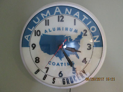 VINTAGE 1950's / 1960's LIGHTED WALL CLOCK. ORIGINAL WORKS GREAT! RARE AMERICANA
