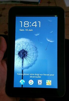 Tablette tactile samsung galaxy tab 2    7.0  avec sa housse.