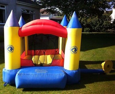 6ft bouncy castle with 240v air blower