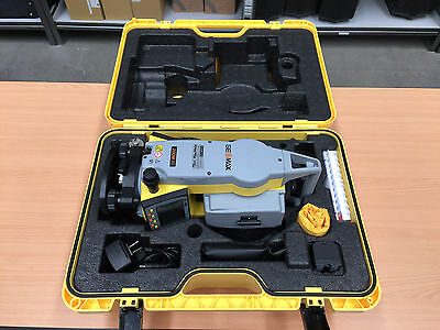 "Geomax/Leica Zoom30 2"" Manual Total Station"