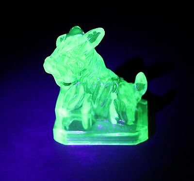Green Cobaline  Uranium Vaseline Glass Scotty Dog Boyd Glows Collectable
