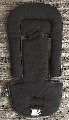 AS NEW PRAM, CAPSULE, Car seat INSERT. BLACK VEEBE. Fits Maxi Cosi, Safe-n-sound