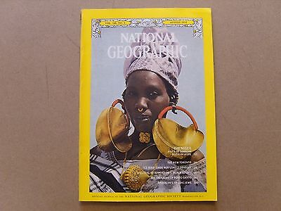 National Geographic Magazine - August 1975 - See Images For Contents