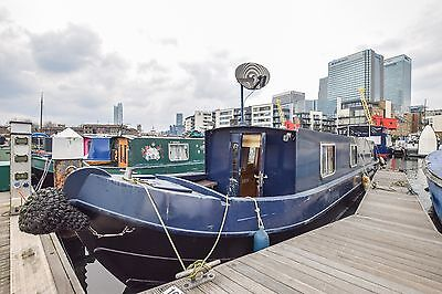 Narrowboat with London residential mooring