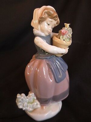 Lladro - Spring Is Here Figurine - 5223 - Girl with flowers in flower pot