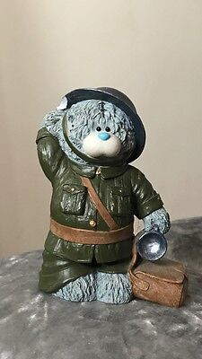 soldier soldier me to you figurine tiny chip on hat