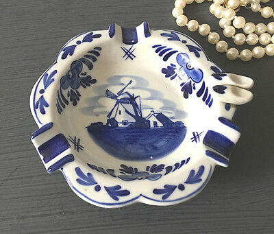 VINTAGE DELFT BLUE HOLLAND TRAY WITH SHOES HAND PAINTED Collectible Delft