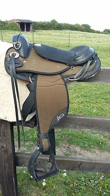Abetta Arabian Western endurance saddle