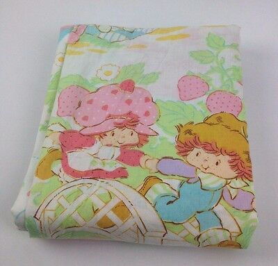 VTG Twin Fitted Strawberry Shortcake Bed Sheet 80s Pastel Rainbow Kids Fabric