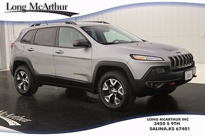 2016 Jeep Cherokee TRAILHAWK 4WD SUV NAV 4X4 4 DOOR NAVIGATION LEATHER/CLOTH SEATS REMOTE START HOOD GRAPHICS