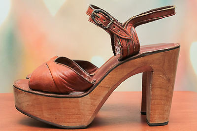 VTG 70s BOHO Brown *DISCO QUEEN* Soft LEATHER Open Toe PLATFORM HEELS Shoes 9