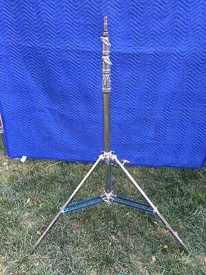2 American 3-Riser Baby Stands