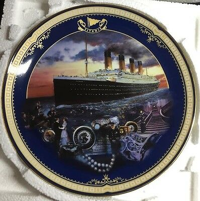 Maiden Voyage, Titanic: Queen of the ocean collection (Bradford Exchange)