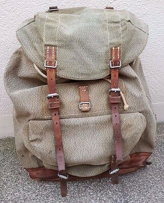Original vintage 1958 Swiss Army backpack, beautiful condition