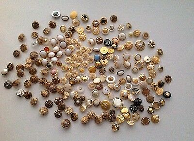 196 X Vintage Mixed Designs Metal And Plastic Buttons- Sewing, Craft