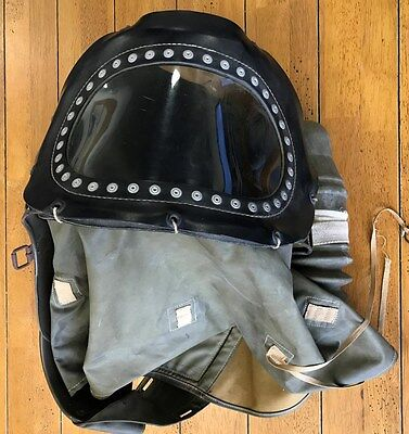 WW2 Infant/ BabyGas Mask, good condition