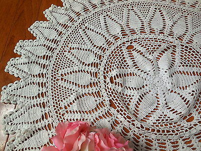 "Beautiful~Vintage White 33"" Round CROCHET LACE TABLECLOTH Handmade"