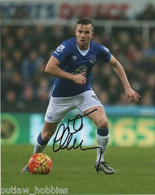 Everton Tom Cleverley Autographed Signed 8x10 Photo COA A