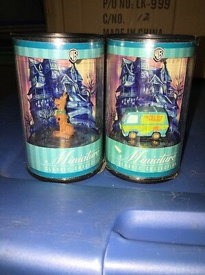 Warner Bros WB Miniature Classic Collection Scooby Doo & Mystery Van 1999