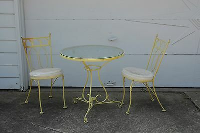 ice cream parlor table and 2 chairs LOCAL PICKUP 44060 LAKE COUNTY OHIO